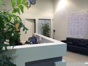 משרד מרווח בבניין מתוחזק היטב בתל אביב