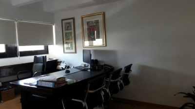 """70 מ""""ר משרד בקומת ביניים בטיומקין, חדר ישיבות"""