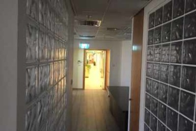 """משרד להשכרה במגדלי התאומים 2 170 מ""""ר, מסדרון"""