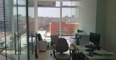 משרדים להשכרה במגדל חדש באזור בסר, קומה גבוהה