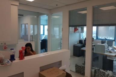 """107 מ""""ר משרדים מטופחים בבית טויוטה בת""""א"""