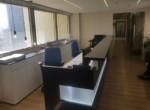 עמדת קבלה במשרדים להשכרה ברמת גימור אבסולוטטית, במגדל מפואר