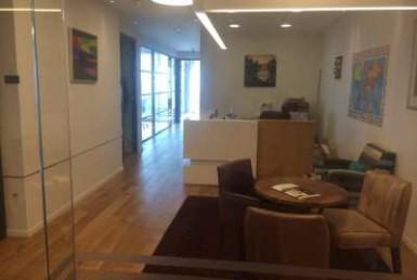 קבלה של משרדים להשכרה במגדל יוקרתי בתל אביב בקומה גבוהה