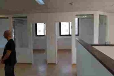 """147 מ""""ר משרדים להשכרה ביגאל אלון"""