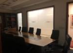 חדר ישיבות במשרדים ברמה גבוהה מאוד להשכרה בניין בוטיק
