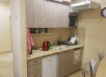 מטבחון של משרדים מיוחדים להשכרה בבניין לשימור בתל אביב