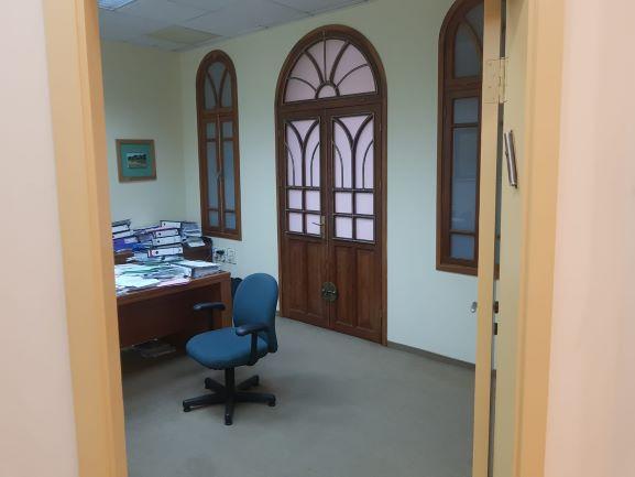 משרד להשכרה בבניין לשימור בתל אביב