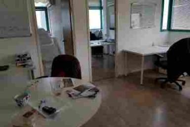 """50 מ""""ר משרדים להשכרה בבורסה בר""""ג קרובים לרכבת ארלוזורוב"""