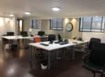 מתחם עבודה במשרדים משופצים להשכרה במרכז תל אביב במצב מעולה