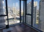 נוף ממשרדים קטנים להשכרה במגדל אלון כולל שימוש במכון כושר