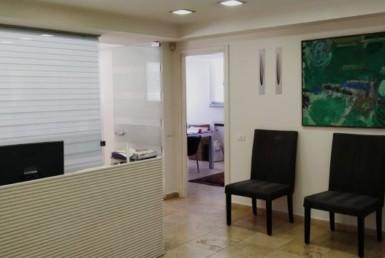 קבלה של משרדים להשכרה בשכונת מונטיפיורי תל אביב עם מרפסת