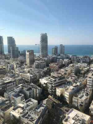 """קומה גבוהה, נוף לים - 500 מ""""ר משרדים להשכרה במגדל במרכז ת""""א"""