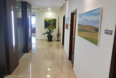 """100 מ""""ר משרד / חדר להשכרה בבורסה קומה גבוהה נוף לים"""