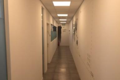 """100 מ""""ר משרדים להשכרה במגדלי בסר, בקומה גבוהה מאד"""