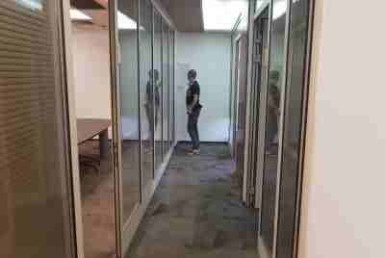 """109 מ""""ר משרדים להשכרה משופצים במגדלי בסר בקומה גבוהה"""