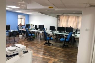 """1,500 מ""""ר משרדים גדולים על יגאל אלון, קרובים לרכבת עזריאלי"""