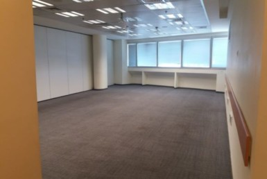 """1,000 מ""""ר משרדים ברחוב שקט Off קרליבך"""