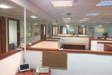 """50 מ""""ר משרדים להשכרה ביגאל אלון"""