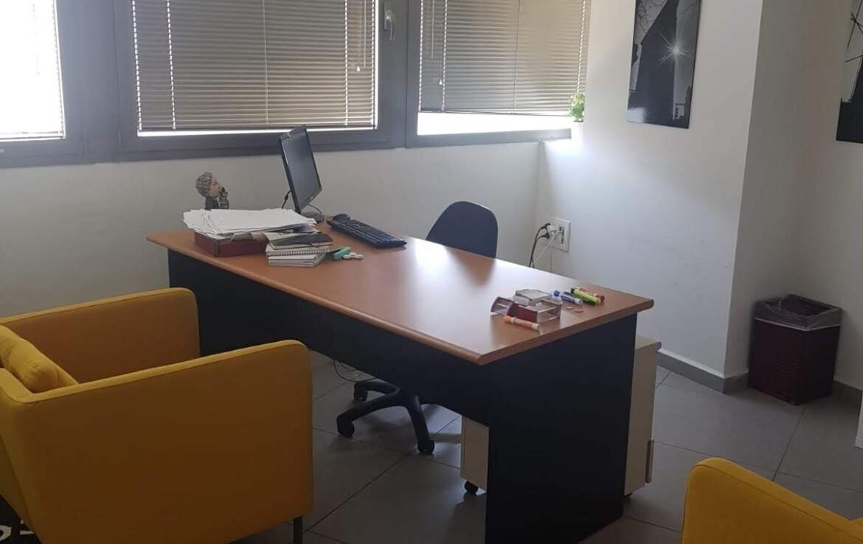 """220 מר משרד להשכרה בלב ת""""א, חדר עבודה"""