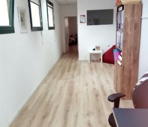 """210 מ""""ר משרדים יפים ומוארים בגבעת שאול"""