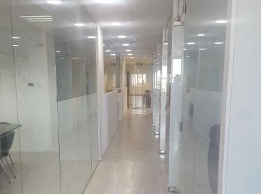 """מסדרון ב-380 מ""""ר משרדים להשכרה בקרית אריה פ""""ת"""