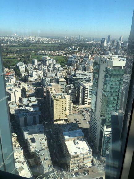 נוף ממגדל ספיר, קומה גבוהה
