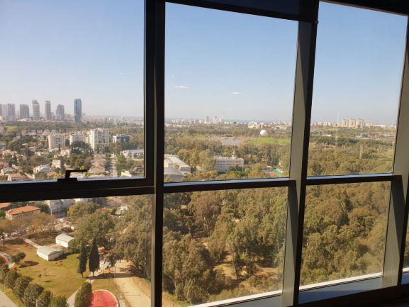 """450 מ""""ר משרדים להשכרה בבסר 2 - חלונות"""