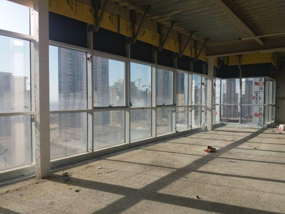 מגדל משרדים מפואר ויוקרתי מעל קניון עיר ימים בפולג, נתניה -קומה, מעטפת