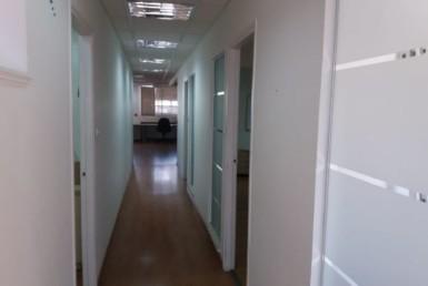 """400 מ""""ר משרדים משופצים, בבניין חדש בק' אריה ליד הרכבת"""