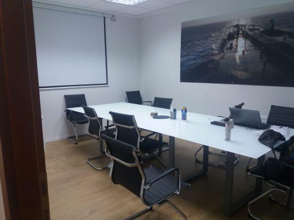 """חדר ישיבות ב 250 מ""""ר משרד יפהפה מושקע ומעוצב אדריכלית בפולג נתניה"""