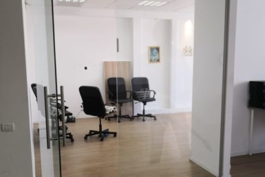 """140 מ""""ר משרדים יפים להשכרה בנתניה במחיר נוח"""