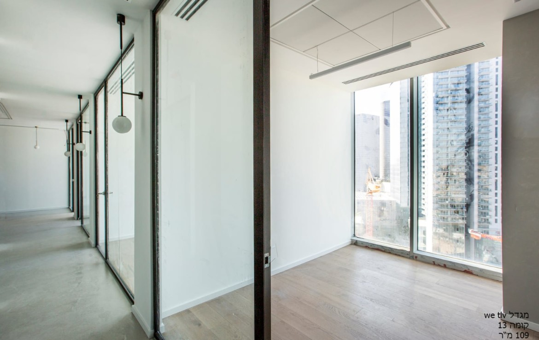 """1200 מ""""ר משרדים להשכרה במגדלי הארבעה בק' עצמאית וגבוהה"""