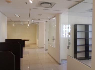 """1,440 מ""""ר משרדים במשה אביב בק' עצמאית, גבוהה"""