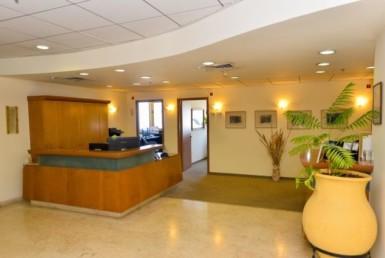 """1,200 מ""""ר משרדים להשכרה במגדל שלום בק' גבוהה, נוף מעלף לים"""