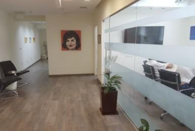 """230 מ""""ר להשכרה בבנין משרדים יוקרתי מושקעים ומעוצבים ברמת גימור פרימיום."""