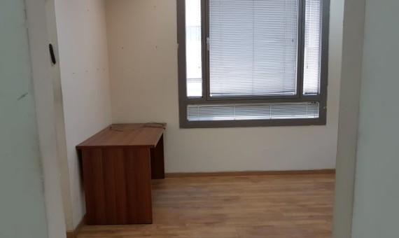 """47 מ""""ר משרדים קטנים להשכרה בלב תל אביב, בבניין מטופח"""