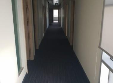 """676 מ""""ר משרדים גדולים עם מרפסת במגדל בולט במתחם בסר"""