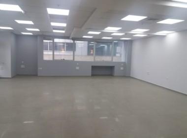 """280 מ""""ר משרדים להשכרה בבניין משרדים מודרני, ייצוגי והיי טקי"""