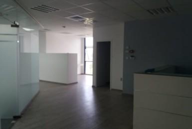 """430 מ""""ר משרדים להשכרה, לשיפוץ מחדש לפי דרישת הלקוח"""
