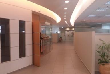 """756 מ""""ר משרדים להשכרה בעיצוב אדריכלי עדכני"""