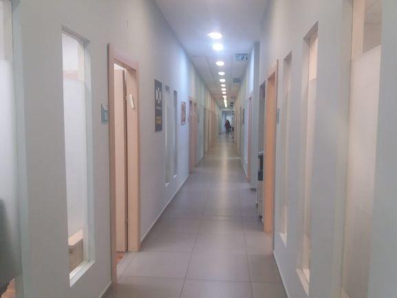 """1,173 מ""""ר ברח' החרושת רעננה, בבניין בוטיק ייצוגי, משרדים ומסחר"""