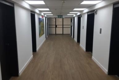 """1,500 מ""""ר משרדי היי טק ברח' ספיר בבנין משרדים מודרני"""