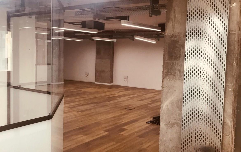 """550 מ""""ר משרדים להשכרה ברמה בקרית ספיר, נתניה"""