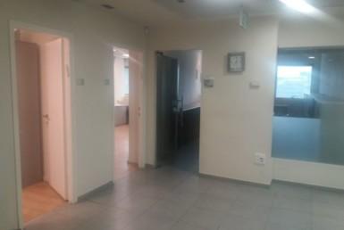 """250 מ""""ר להשכרה משרד מודרני בבנין משרדים ייצוגי, יוקרתי ומבוקש"""