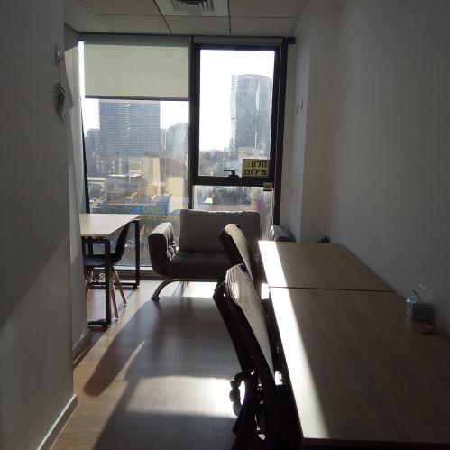 """24 מ""""ר משרדים להשכרה במגדלי אלון, כולל ספא ומכון כושר"""