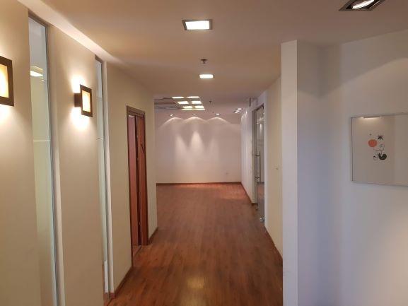 """רחבת כניסה במגדל משה אביב בבורסה ר""""ג 450 מ""""ר"""
