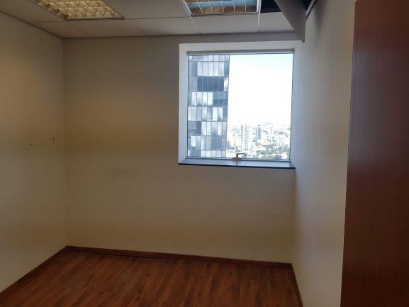 """חלון במגדל משה אביב בבורסה ר""""ג 450 מ""""ר"""