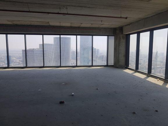 """מגדל מידטאון ת""""א 458 מ""""ר נוף מהחלון, צד נוסף"""