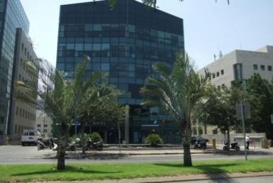 """220 מ""""ר משרד להשכרה בבניין בוטיק בולנברג, רמת החייל"""