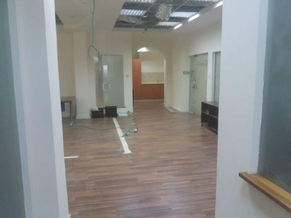 """260 מ""""ר ברח' גלגלי הפלדה בבנין משרדים בוטיק נאה ומטופח"""